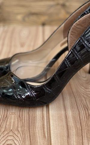נעל ותיק תואם לבנים שחורות